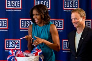 Michelle Obama, Gary Sinise